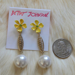 Betsey Johnson Earrings Dangle Flower & Pearl